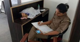 mom-cop-at-work-with-6-month-old-jhansi